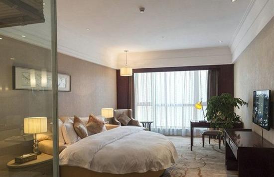 Liupanshui, Cina: Elegant Lakeview King Room
