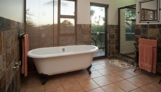 Hluhluwe, Νότια Αφρική: Bathroom at Mkhulu's House