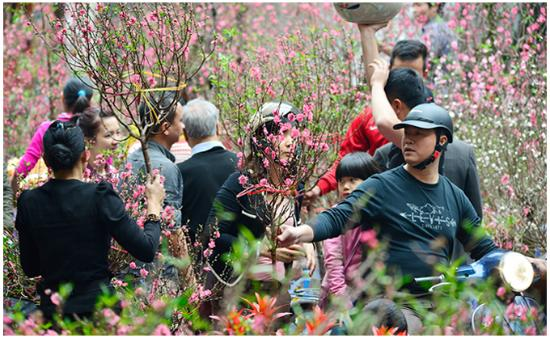Asia Top Travel: Activity of Tet - New Year Holiday of Hanoi