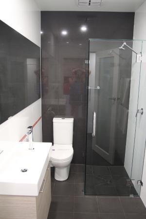 Mount Gambier, Australie : Modern bathroom