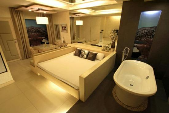 Victoria Court Bagong Barrio Room Rates