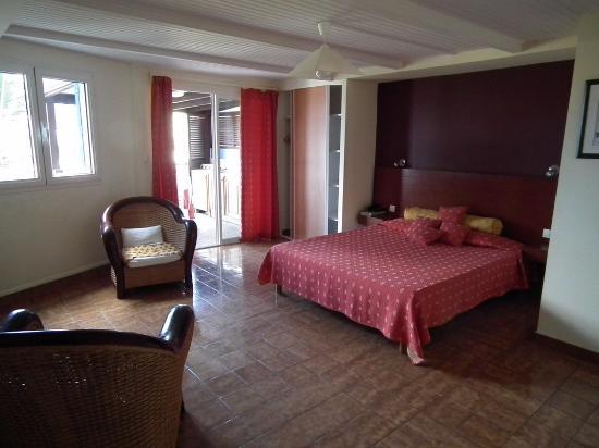 Hotel La Caravelle : intérieur de chambre N° 14