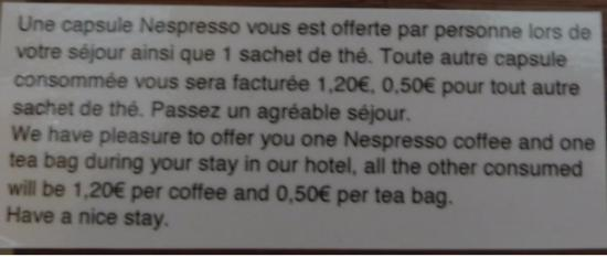 Poissy, Prancis: I was surprised they didn't ration the loo paper!