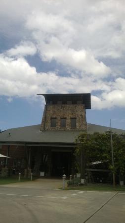 Mount Cotton, Australia: building housing wine sales