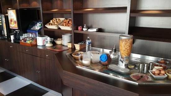 Morschwiller-le-Bas, Frankrike: Breakfast buffet