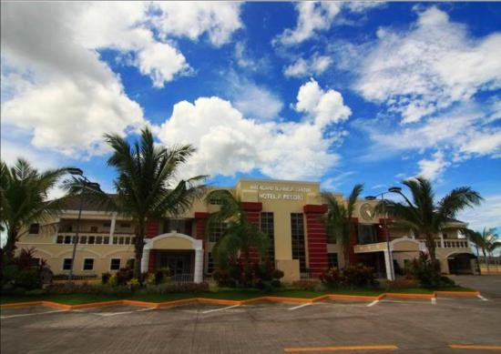 Macagang Business Center Hotel & Resort: Macagang Hotel & Resort - Frontview