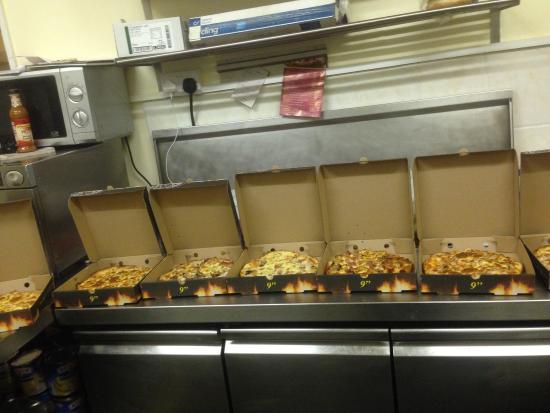 Rhosneigr, UK: Aydin's Cafe & Pizza Takeaway
