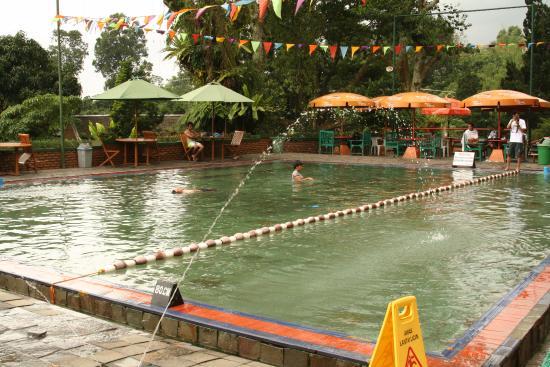 pemandangan di kolam private foto sumber air panas sari ater rh tripadvisor co id