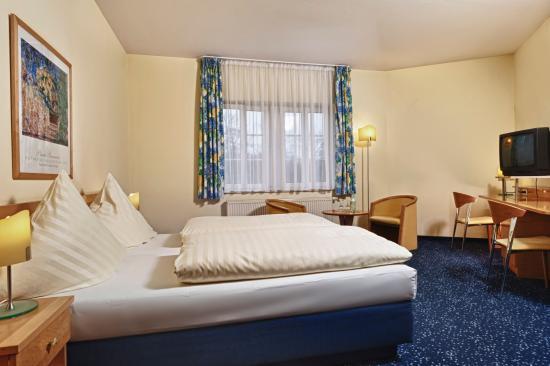 Hotel Schloss Schweinsburg: Double room