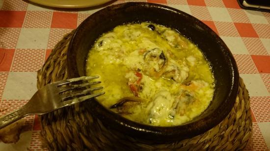 Collado Villalba, Испания: Mejillones con salsa pastor!! Mejillones frescos, ajo y la secreta salsa que no se que lleva!!