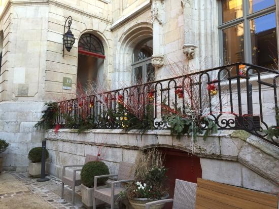 Fabulous contemporary hotel in an historic gem picture for Hotel design rouen