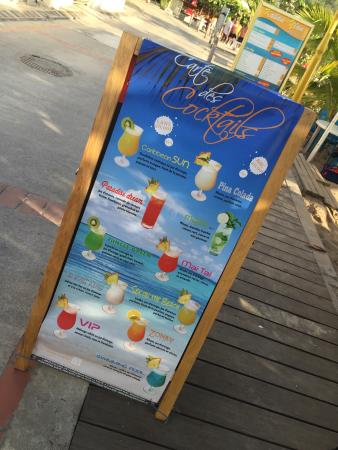 Les Anses d'Arlet, Мартиника: Lovely friendly relaxed little spot to enjoy a cocktail on the beach!