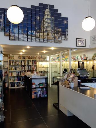 Bauhaus Center Tel Aviv: The bookstore