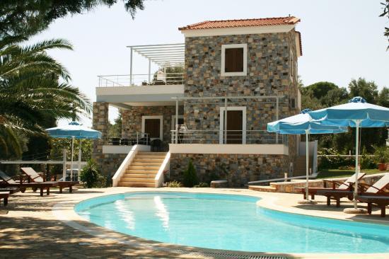 Sellados Beach Villas : POOL