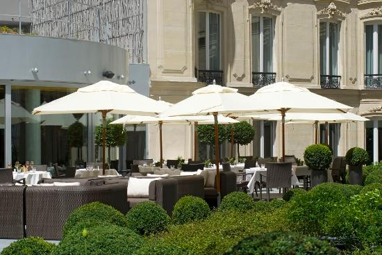 La terrasse du jardin interieur photo de h tel barri re for Hotel du jardin