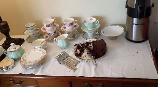 Heaton's Guesthouse: Afternoon tea!