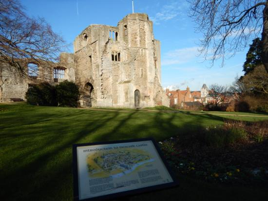 Newark-on-Trent, UK: Newark castle (28.1.2016)