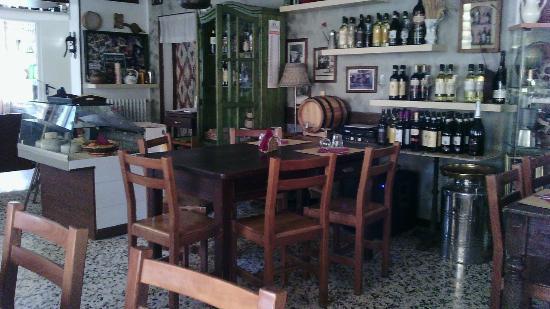 Pella, Italie : Al Caffe' dell'Osteria