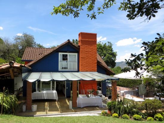 Envigado, Kolombiya: Enjoy the garden and the open spaces.