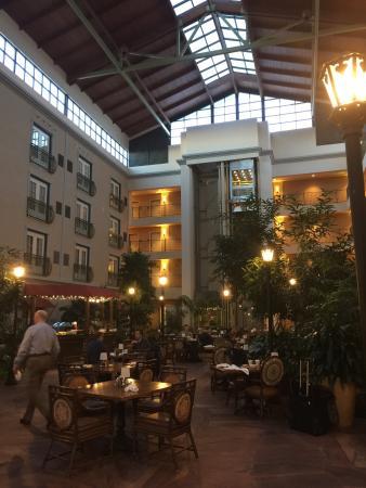 Aurora, CO: Hotel maravilhoso! Super confortável, staff super atenciosa...Restaurante ótimo várias opções de