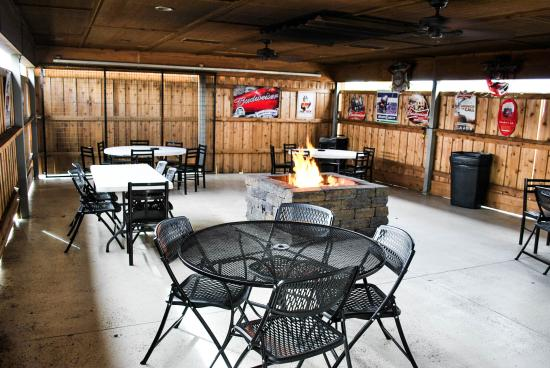 Garden City, KS: Firepit Terrace