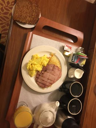 Walnut Creek, CA: Room service American breakfast