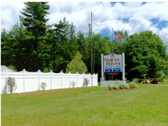 Saco River Lodge & Suites: front of property