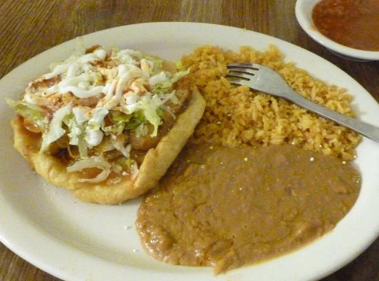Hermiston, OR: Sope con Pollo...
