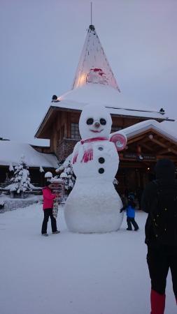 Joulupukin Kammari: Melkoinen lumiukko