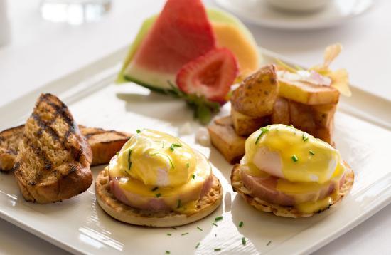 Williamstown, MA: Eggs Benedict