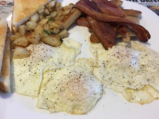 Lacombe, แคนาดา: Southern gents breakfast $12