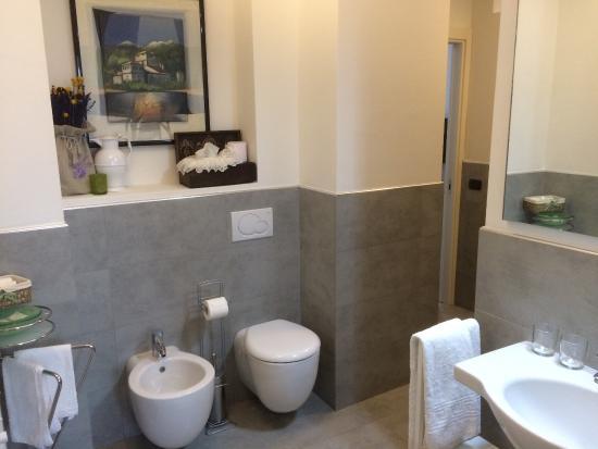 St. Pierre, Italien: bagno camera Acero