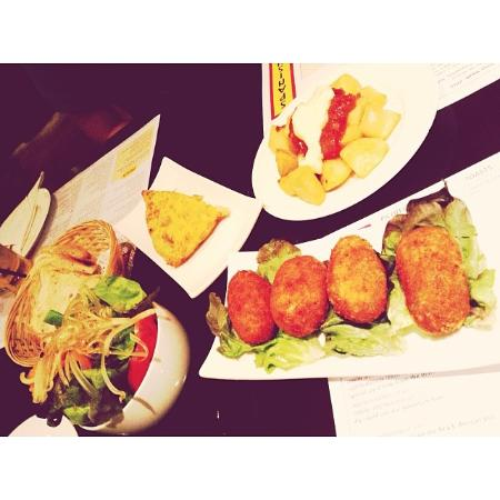 Tapas Cafe: Happy Meal