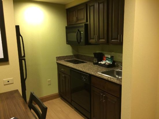 Homewood Suites Charlotte/Ayrsley: Cooking corner