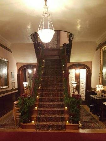 Hanover, بنسيلفانيا: The beautiful staircase!