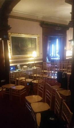 Sheppard Mansion Bed and Breakfast: Ceremony chairs in front of staircase