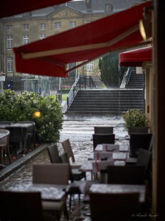 Brasserie Reine Mathilde : столики на улице