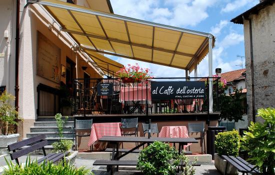 Pella, Italie : Terrazza del Al Caffè dell'Osteria