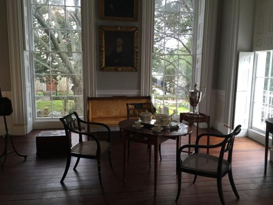 Nathaniel Russell House: Drawing room where Mrs. Russell would receive her guests.