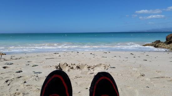 Isla de Caja de Muertos: Chilling on the beach with a chicken kabob!