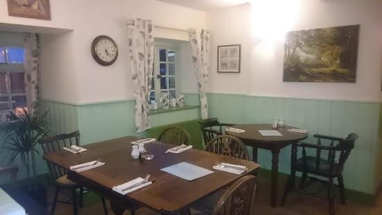 Woodgreen, UK: Dog Friendly Dining Room