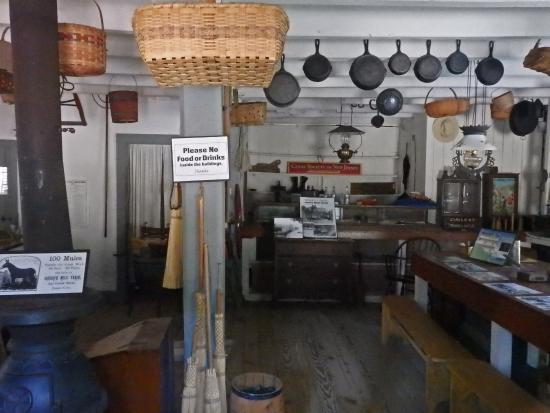 Stanhope, NJ: Interior General Store
