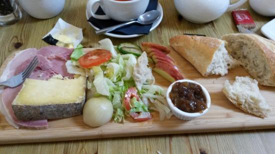 Brackley, UK: English platter