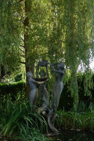 Bad Krozingen, Alemania: скульптуры в парке