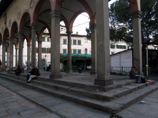 Street bild fr n mercato di piazza dei ciompi florens for Piazza dei ciompi