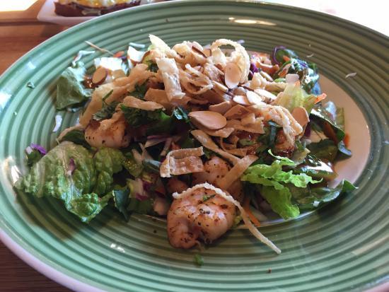 Shakopee, MN: Thai shrimp salad