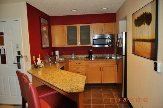 San Ramon, كاليفورنيا: small Kitchen
