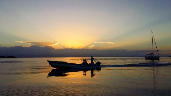 Бокас, Панама: atardecer en Bocas del Toro