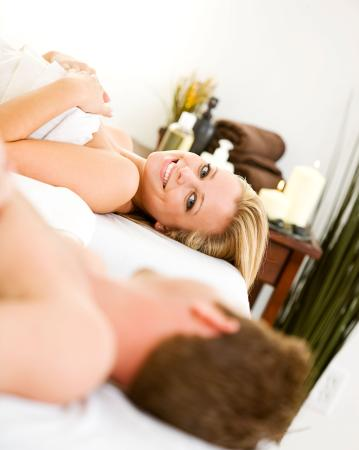 Cedarburg, WI: Couples Massage