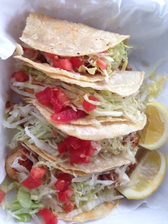 Port Isabel, TX: Fresh!! Very clean, very tasty, fish tacos. Yum!